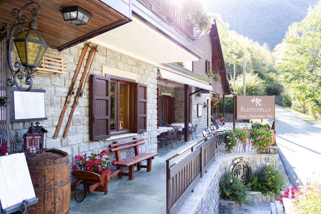 ingresso-Hotel-Rustichella-Valmasino